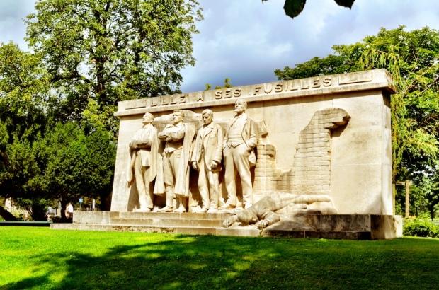 A war monument